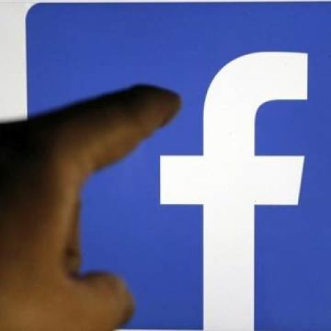 Facebook to Team With News Orgs on Story 'Packages'